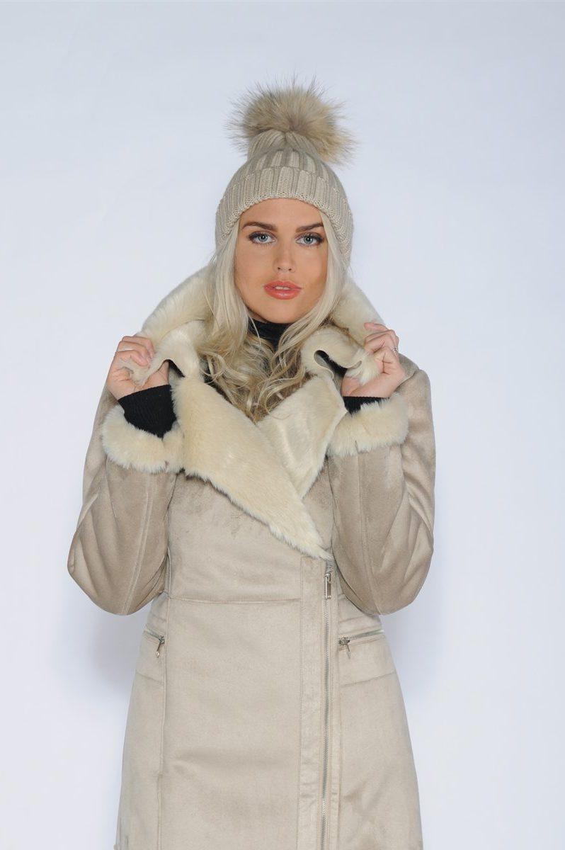 White, black eller beige ribbet lue med raccoon dusk CKN - 3948 hat