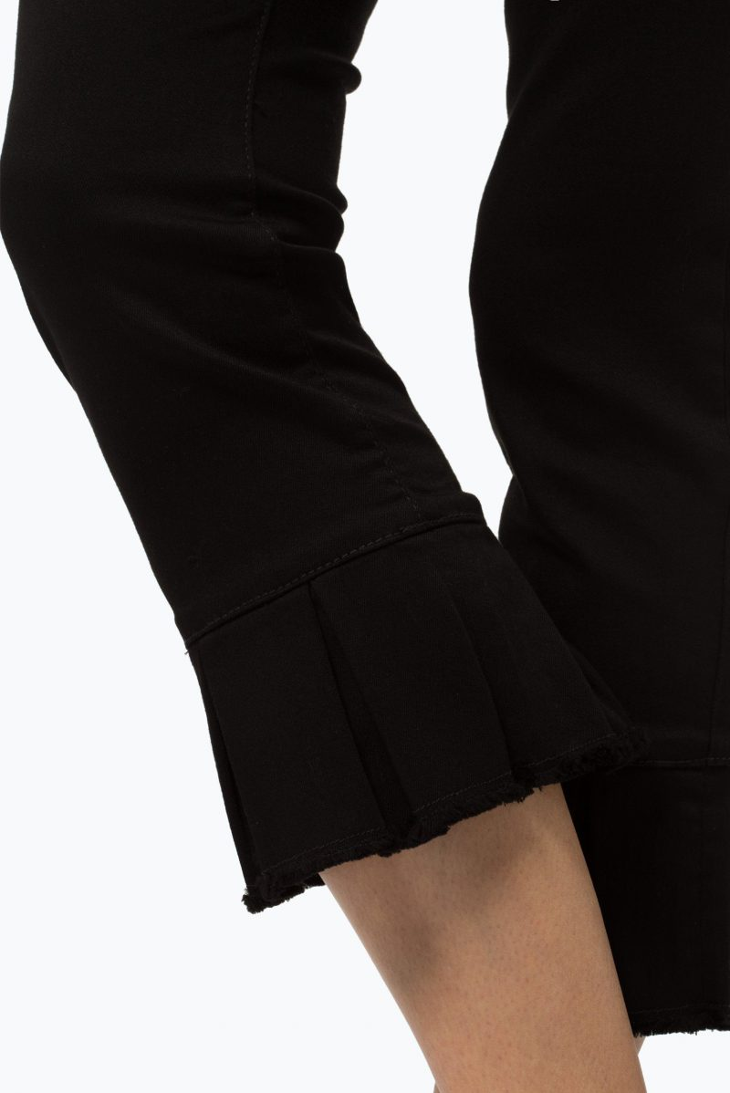 Sort supertrendy kick flare bukse med volanger Cambio 6201 0129/02 lucille 27